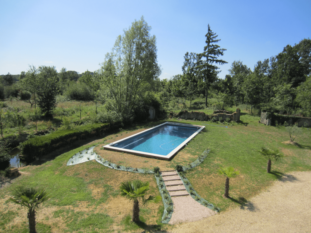 Liner couleur gris fonc piscines tradition for Constructeur piscine pau