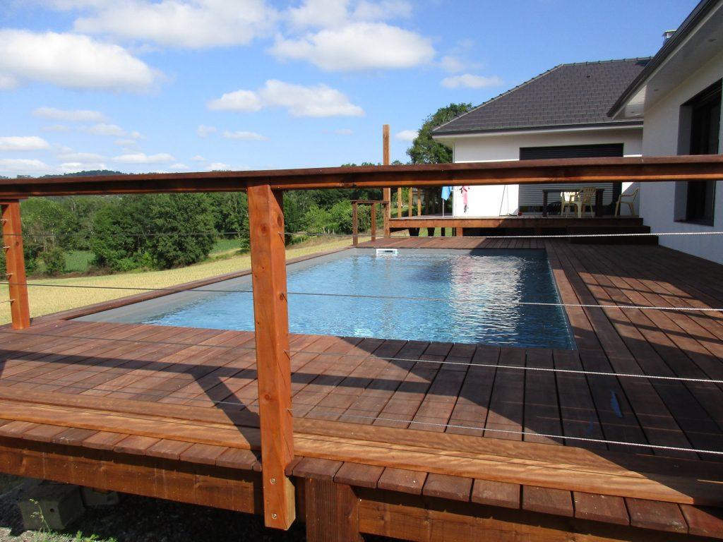 Semi creus es piscines tradition for Constructeur piscine pau