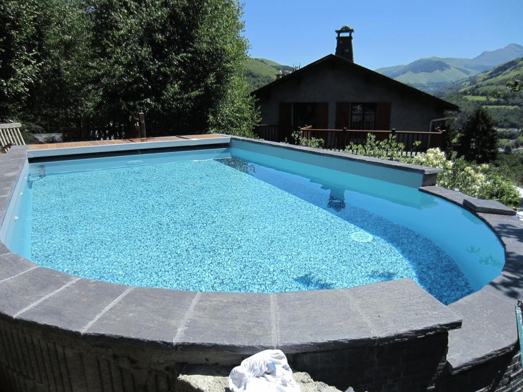 Piscines semi creus es piscines tradition for Constructeur piscine pau